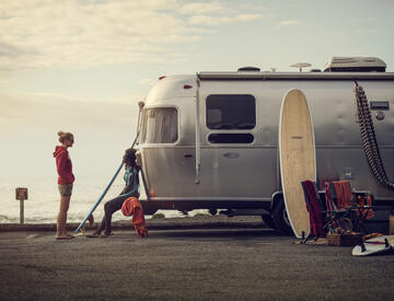 Dometic, caravan, camper, rv, surfing, ac, air condition, surfer, beach, lifestyle, ocean, sun