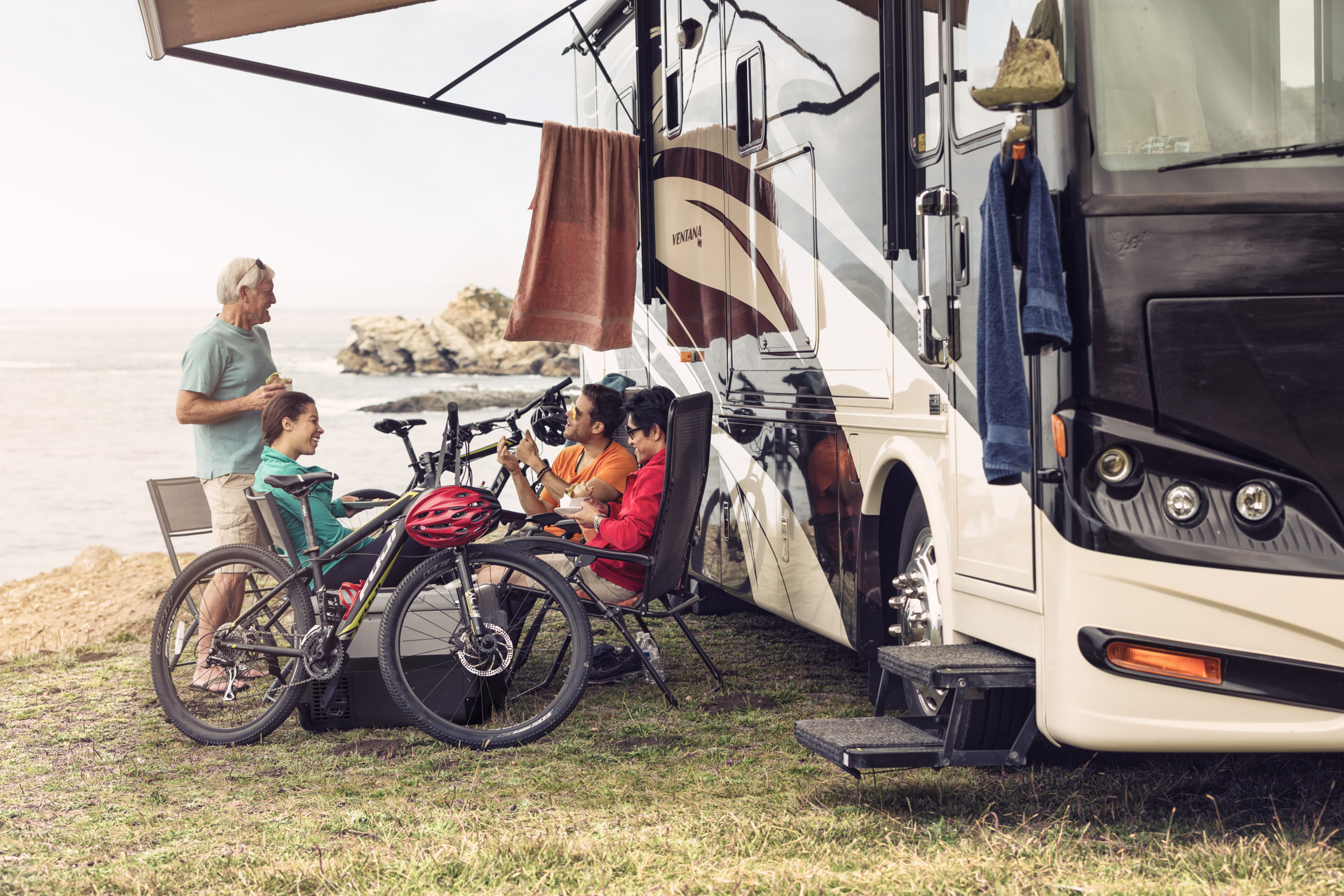 ᐅ Awnings for RV - Stylish and durable | Dometic