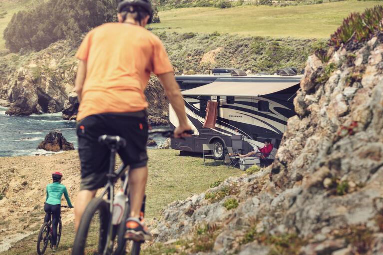 Dometic, pojazd rekreacyjny, samochód kempingowy, jazda na rowerze, markiza chłodziarka, Dzień 6 0695, jasny, mtb, góra, rower, rower górski, rower, samochód kempingowy, pojazd rekreacyjny, klif, wybrzeże, morze, jezioro, nad jeziorem