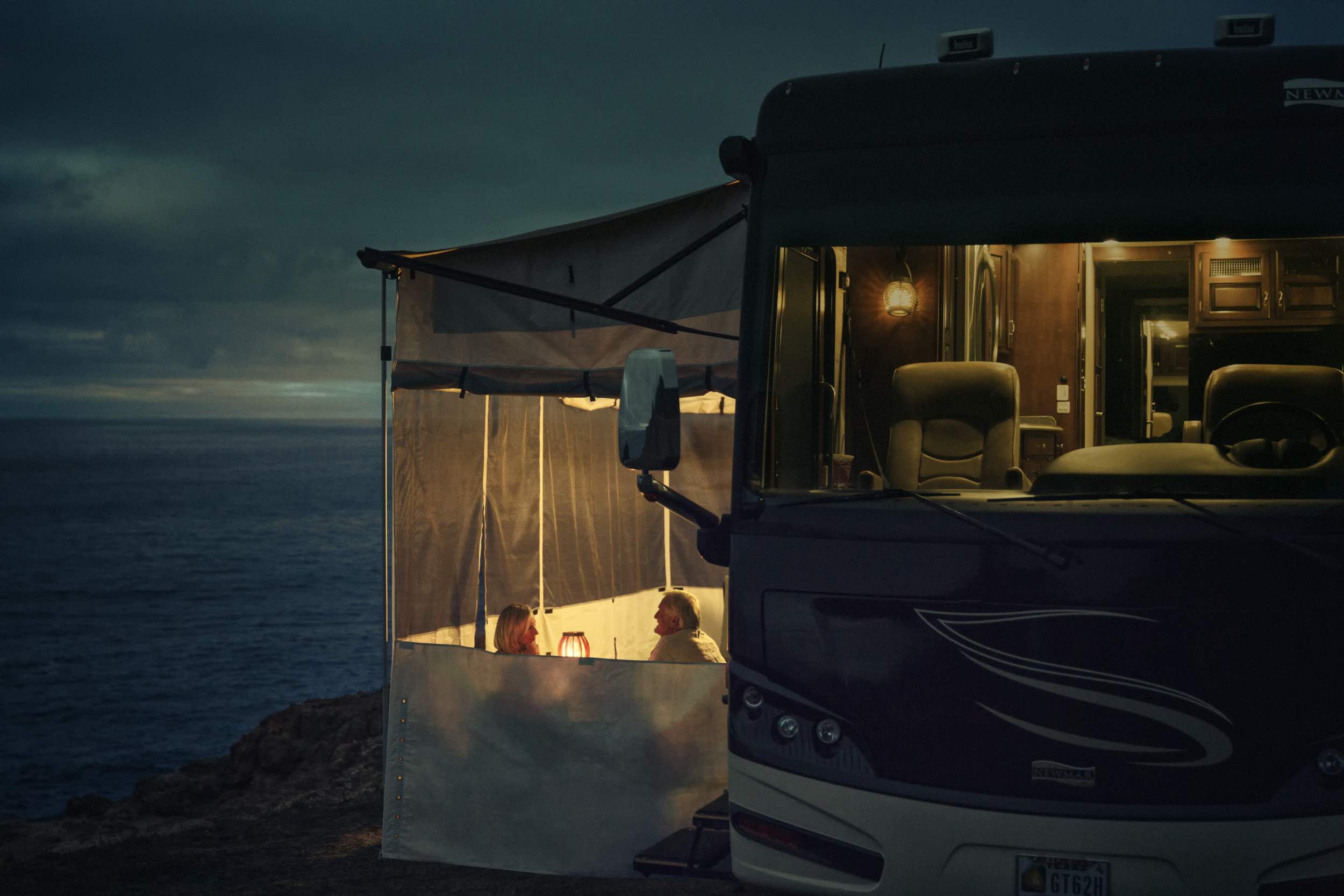 Dometic rv motorhome tent power lights Day6 1184, lights, rv, motorhome, tent, warmth, warm, comfort, picnic, travel, nature, sea, seaside