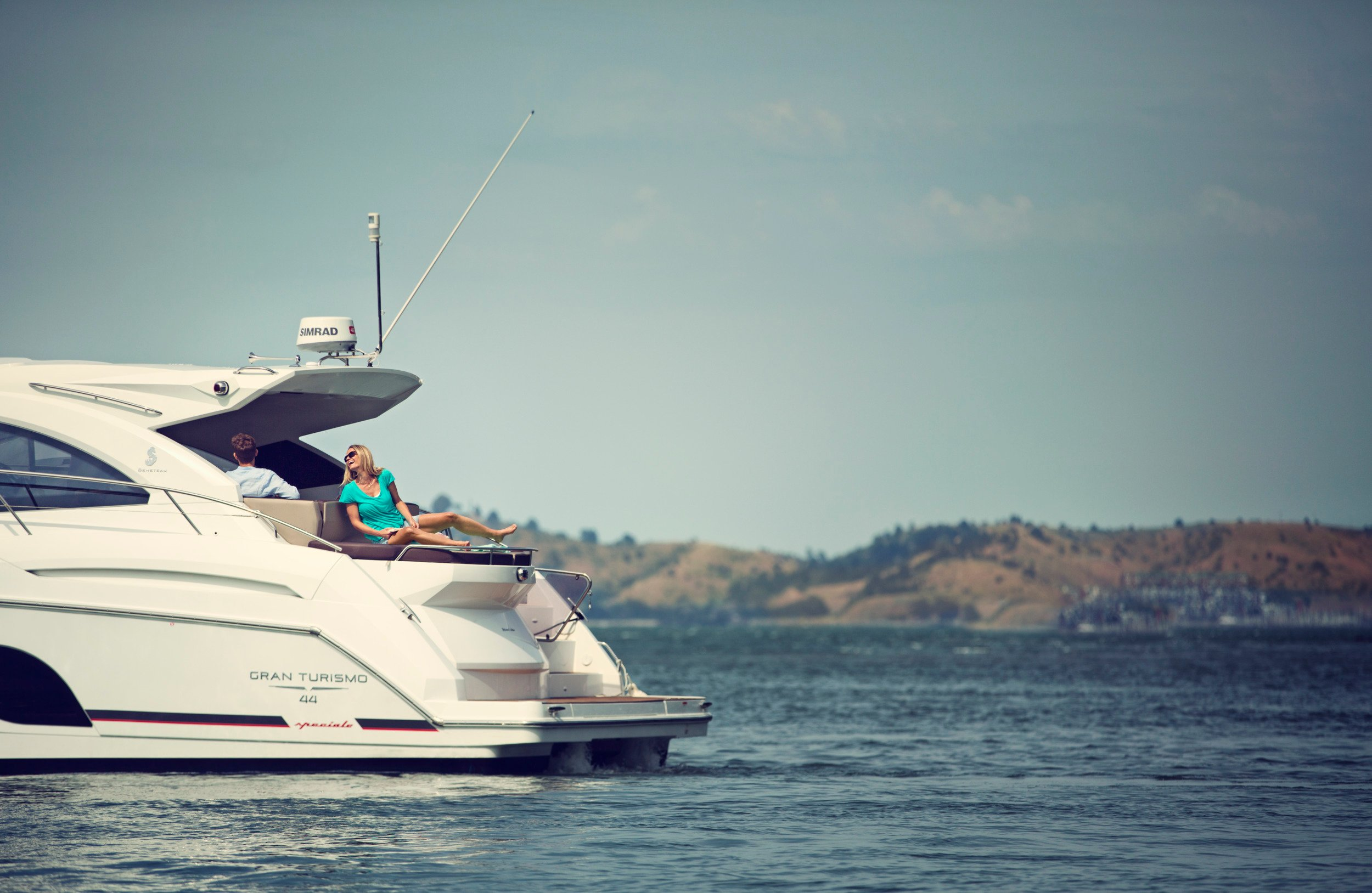 Dometic, marine, motorboat, ocean, lake, land, island, relax, sun, blue, sky, boat