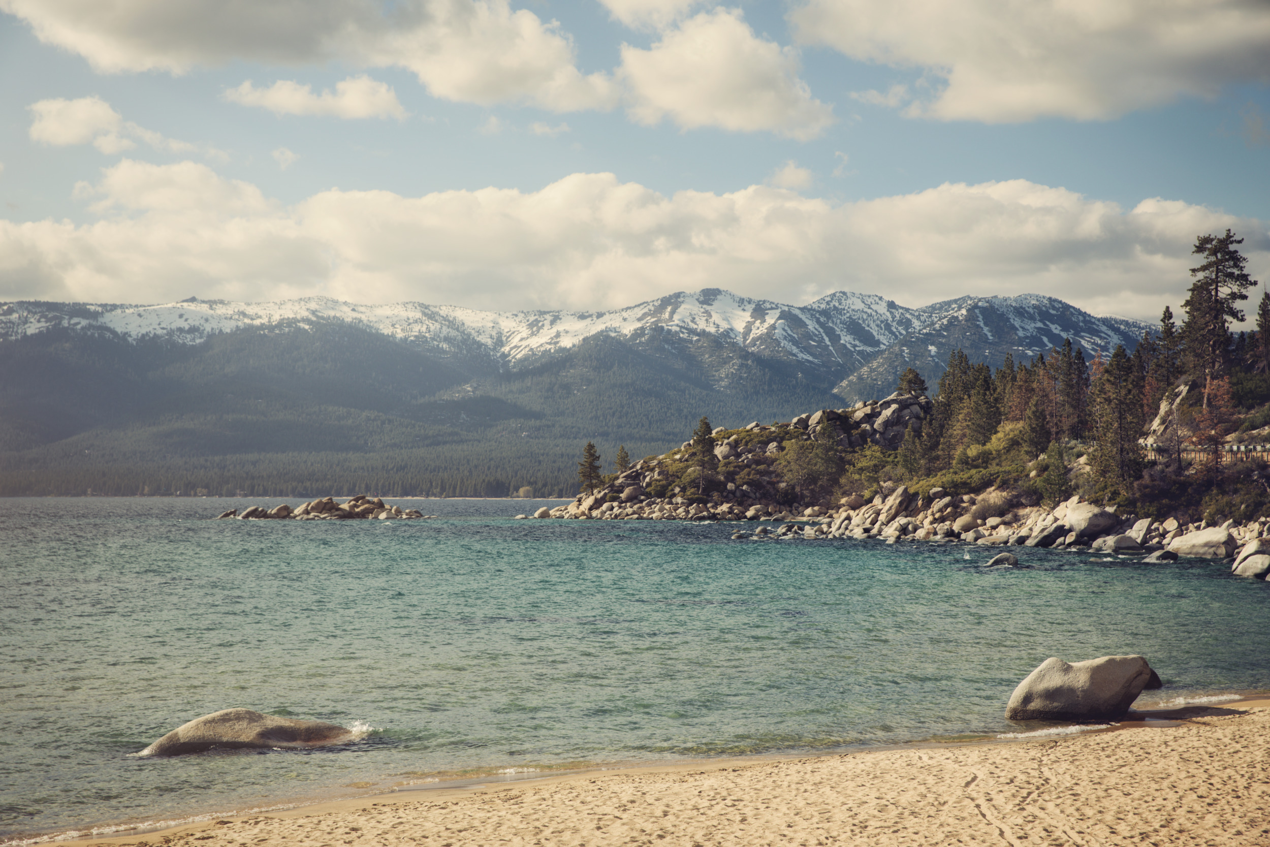Dometic, beach, lake, mountain, clouds, sky, blue, water, rocks, forest, nature, wildlife