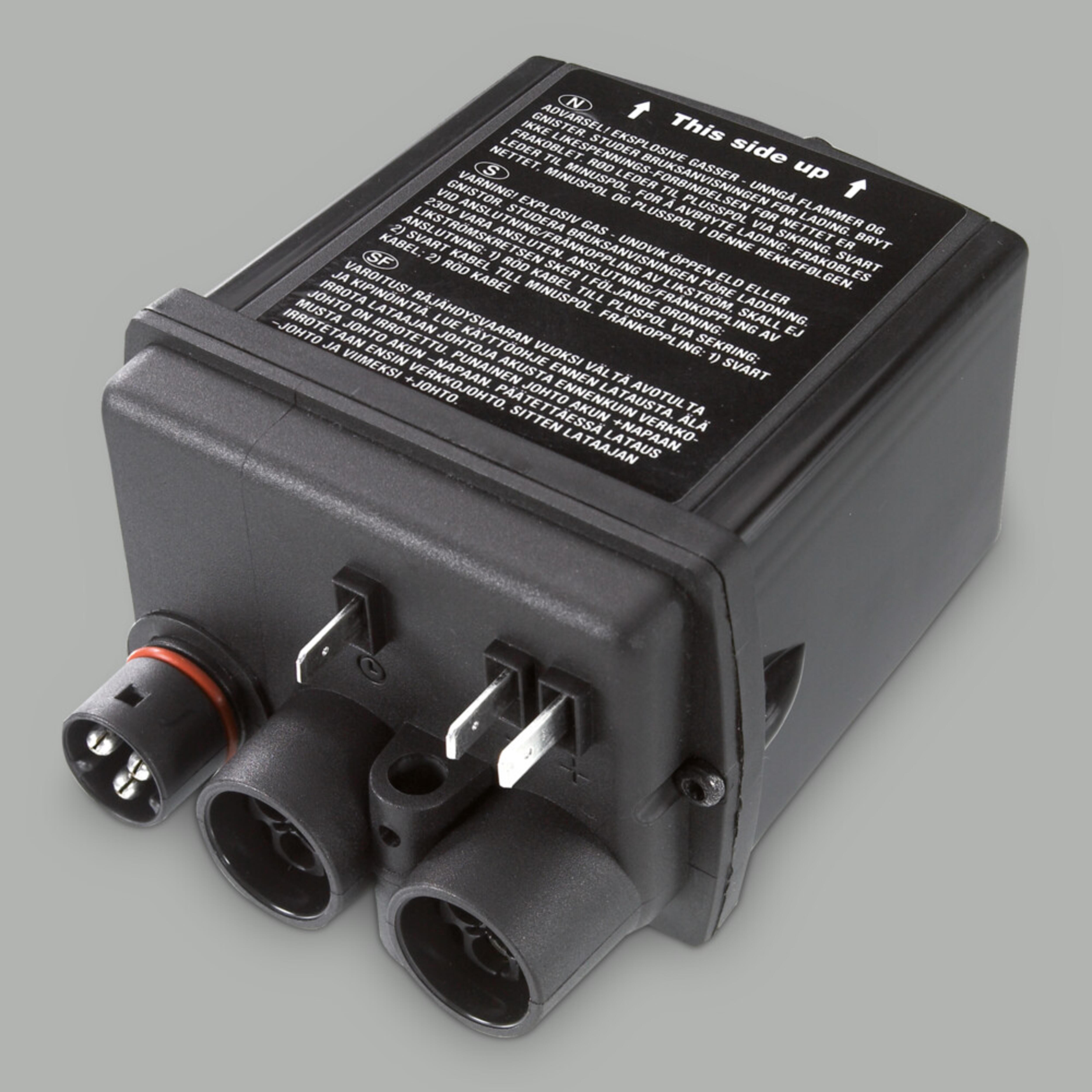DEFA MultiCharger 1203